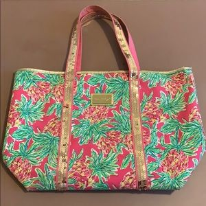 Lilly Pulitzer pineapple print bag